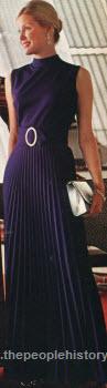 1972sleevelesspleateddress.jpg