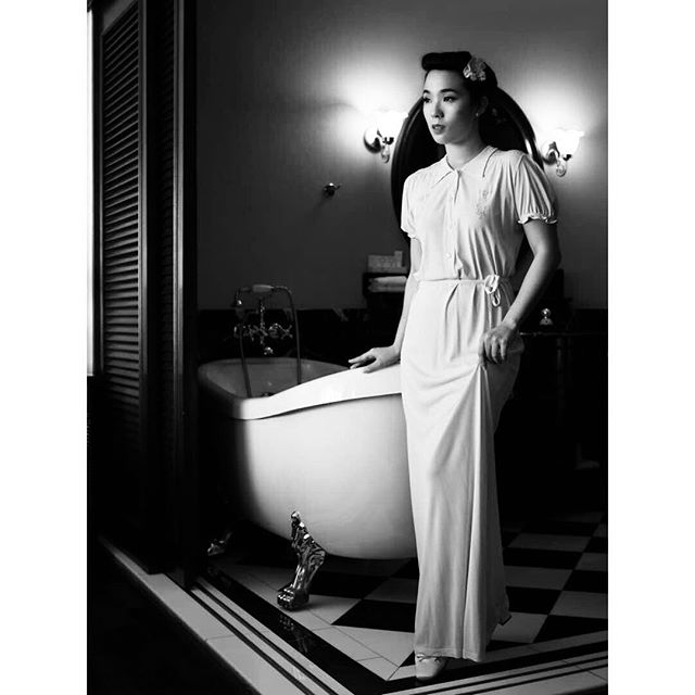 Trust @leeeeming to make a 1940s nightie look like an elegant evening gown🥂