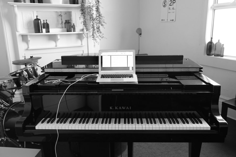 Piano-lappy.jpg
