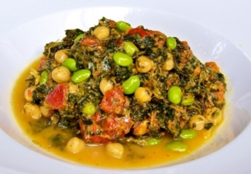 Super Saag :  Chock full of protein, our saag contains spinach, chunks of tomato, garbanzo beans and edamame seasoned with our own curry blend. A truly super meal!