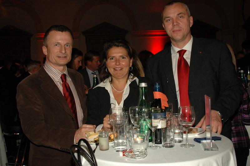 Bank Austria ImmobilienService-®mast.JPG