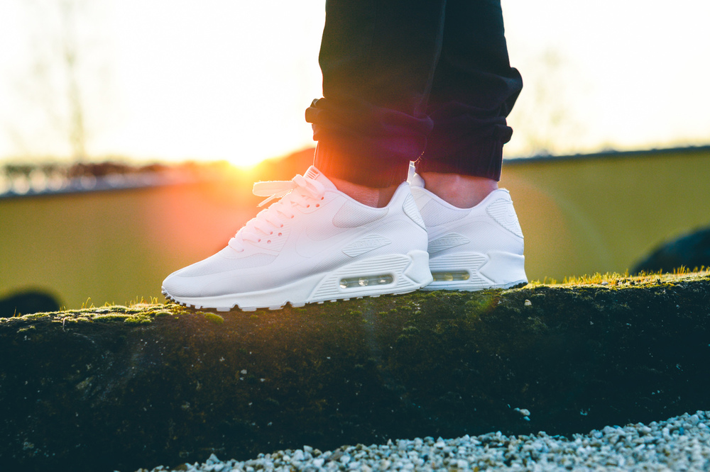 Air-Max-90-Hyperfuse-Independence-Day-04.jpg