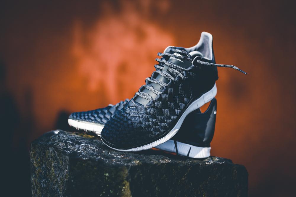 Nike_Free_Inneva_Woven_Anthracite_Dark_Grey_White_01.jpg