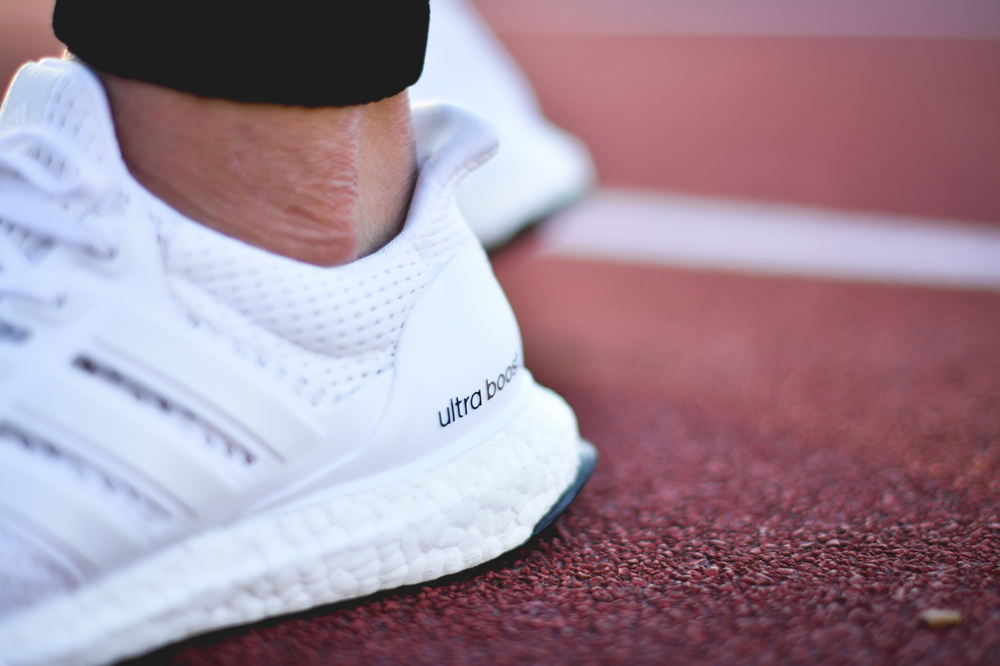 Adidas-Originals-Ultra-Boost-White-04.jpg