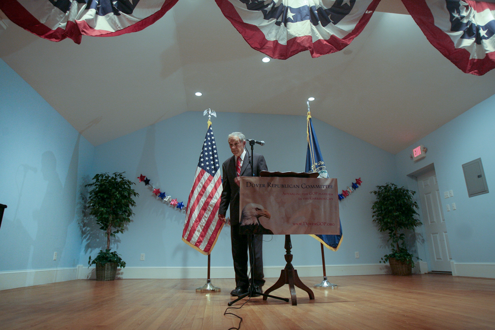 Texas Congressman Ron Paul was the keynote speaker for the Dover Republican Committee's Lincoln-Reagan Dinner.