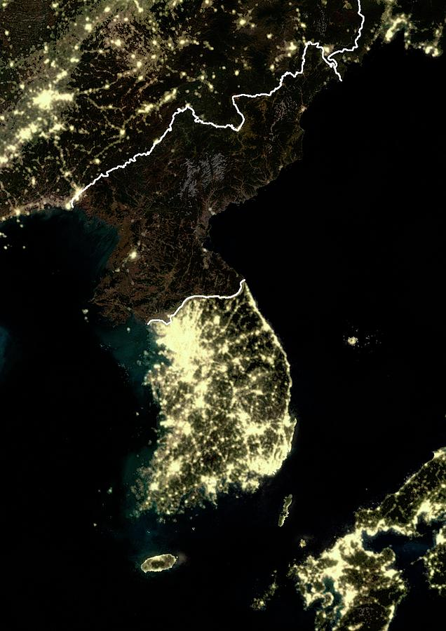 korean-peninsula-at-night-planetobserver.jpg