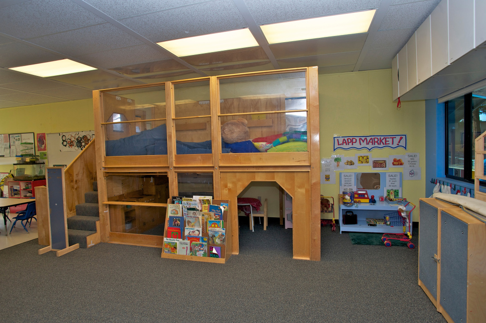 Drama corner, loft & readingarea