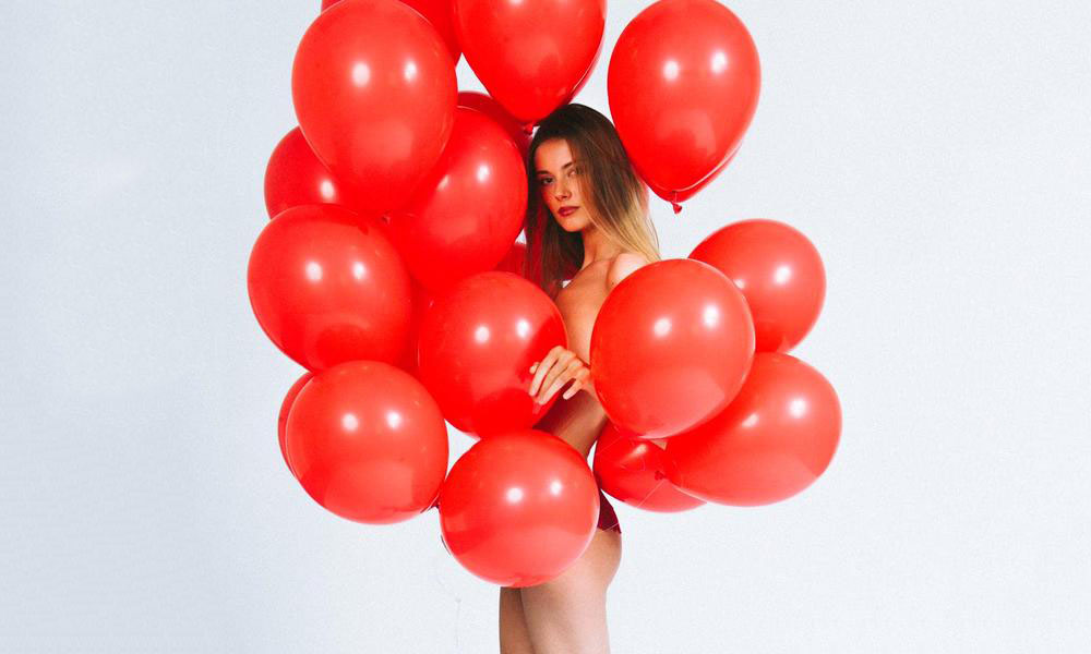 http://skizzymars.com/redballoon