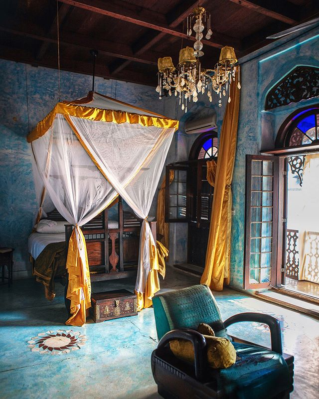 Transported ✨ With only eleven rooms that are all individually decorated and affectionally named after the former owner's favorite female characters, @emersonzanzibar might be one of the most unique places I've ever stayed. . With endless rich fabrics, intricately carved doors, stonewashed walls and stained glass windows, it's a designer's dream. They leave the unoccupied rooms open so it feels like home and the perfect opportunity for room hopping. I might've taken a peek every chance I got 🤗 #nomadicfareinzanzibar See Stories for more.