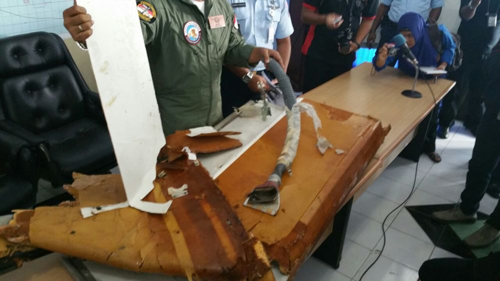 "Debris found ""is a part from the inside of a plane - there is a handle that can be moved"", says LTC Jhonson Henrico Simatupang, Commander of the Iskandar Airbase in Pangkalan Bun"