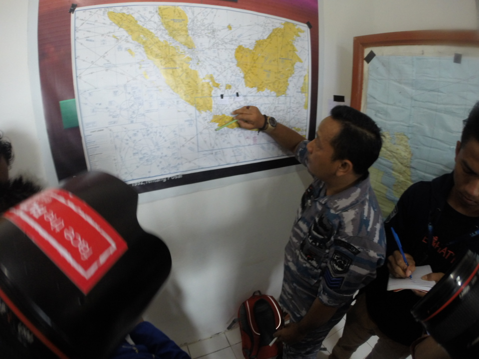 The search for QZ8501 at Belitung has moved further south, with 6 boats involved, say officials