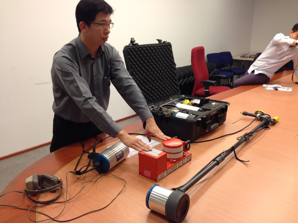 First look at the underwater locator beacon detector being sent from Singapore for the QZ8501 search
