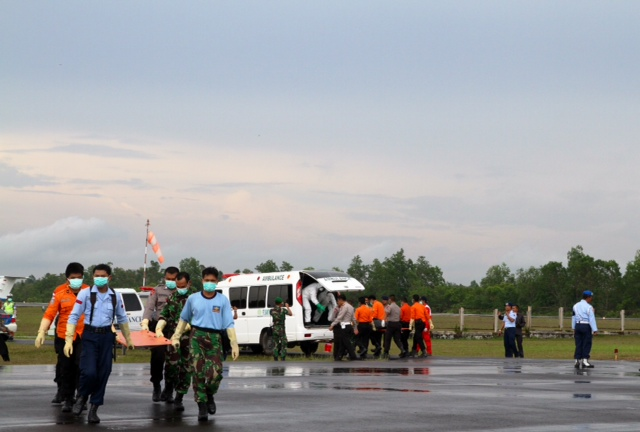 qz8501-bodies-arrive-data.jpg
