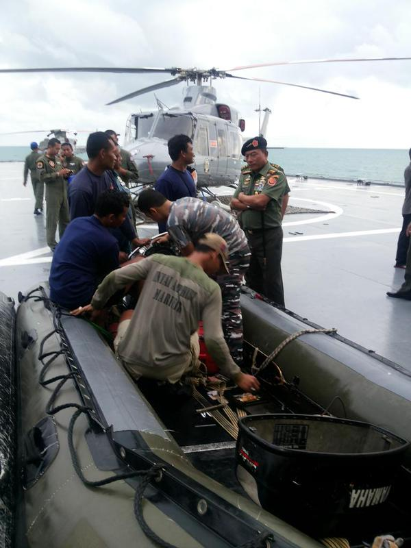 "Indonesia's Commander of the Armed Forces General Moeldoko said on Twitter he was aboard the KRI Banda Aceh with divers today, checking on their readiness to lift the plane's tail. He noted that there was ""some progress"", but the sea current is hampering search efforts"