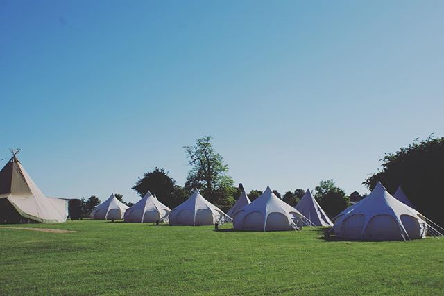 Sun sun sun and a Lotus & Teepee village ready and waiting for awesome guests to arrive. More pics to follow... have a lovely bank-holiday weekend everybody! ☀️ . . . . . #collectmemoriesnotthings #teepeeden #lovelotusbelle #loveteepee #lotusbelle #boutiquecamping #glamping #camping #bristol #oxford #tentrental #glampinghire #bristolcamping #oxfordcamping #festivalglamping #festivaltenthire #weddingglamping