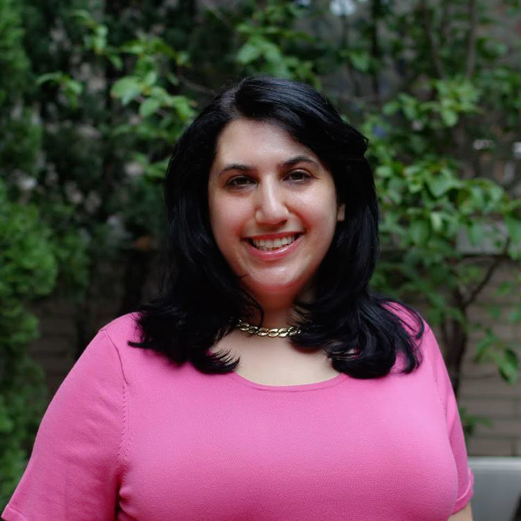 Stefanie Mazlish, CEO & Co-Founder of The Solution Lab. She holds an MBA in Strategy and Finance from NYU Stern.