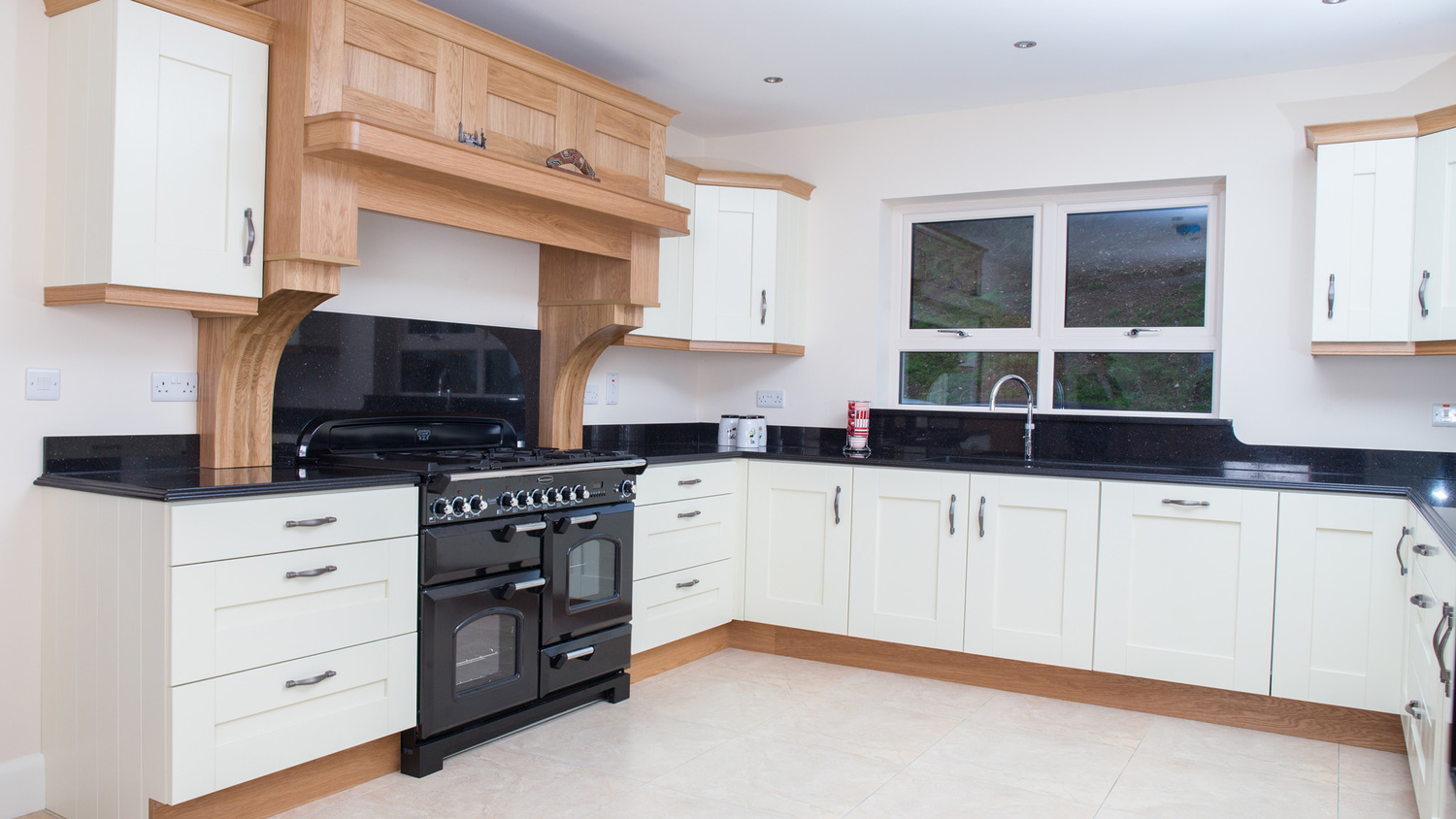 Shaker, Painted Ivory Kitchen | GCB Kitchens | Cookstown, Co. Tyrone ...