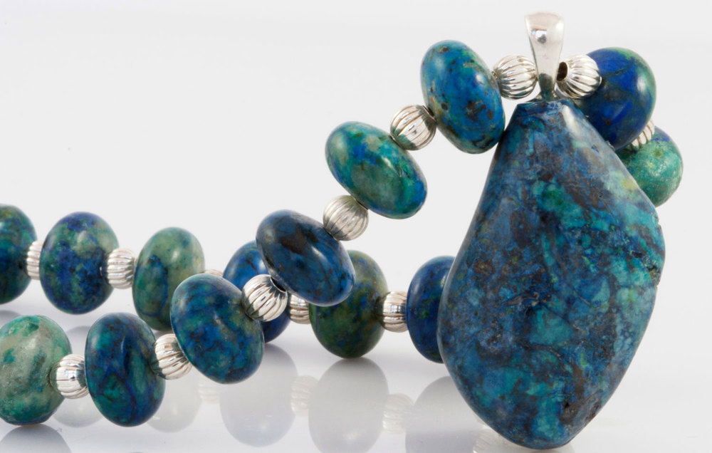 I love the intense blue-green color in this piece!