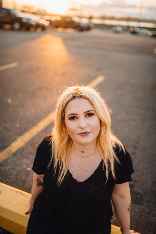 5 Tips for Shooting Minimalist Portraits / Jordan Hefler