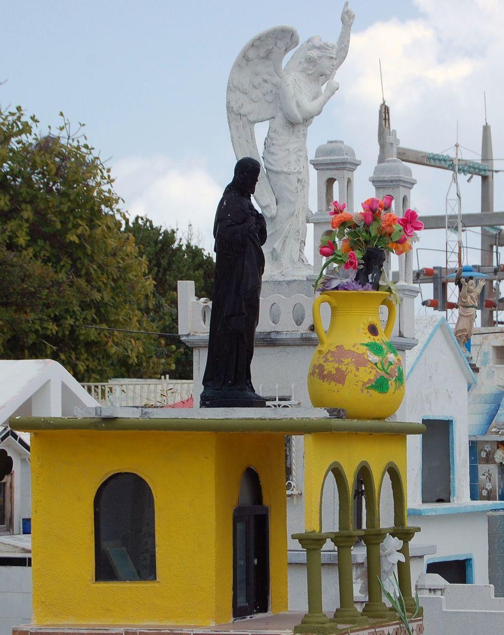 Jerry Bradley Isla Mujeres 3-2010 058.jpg