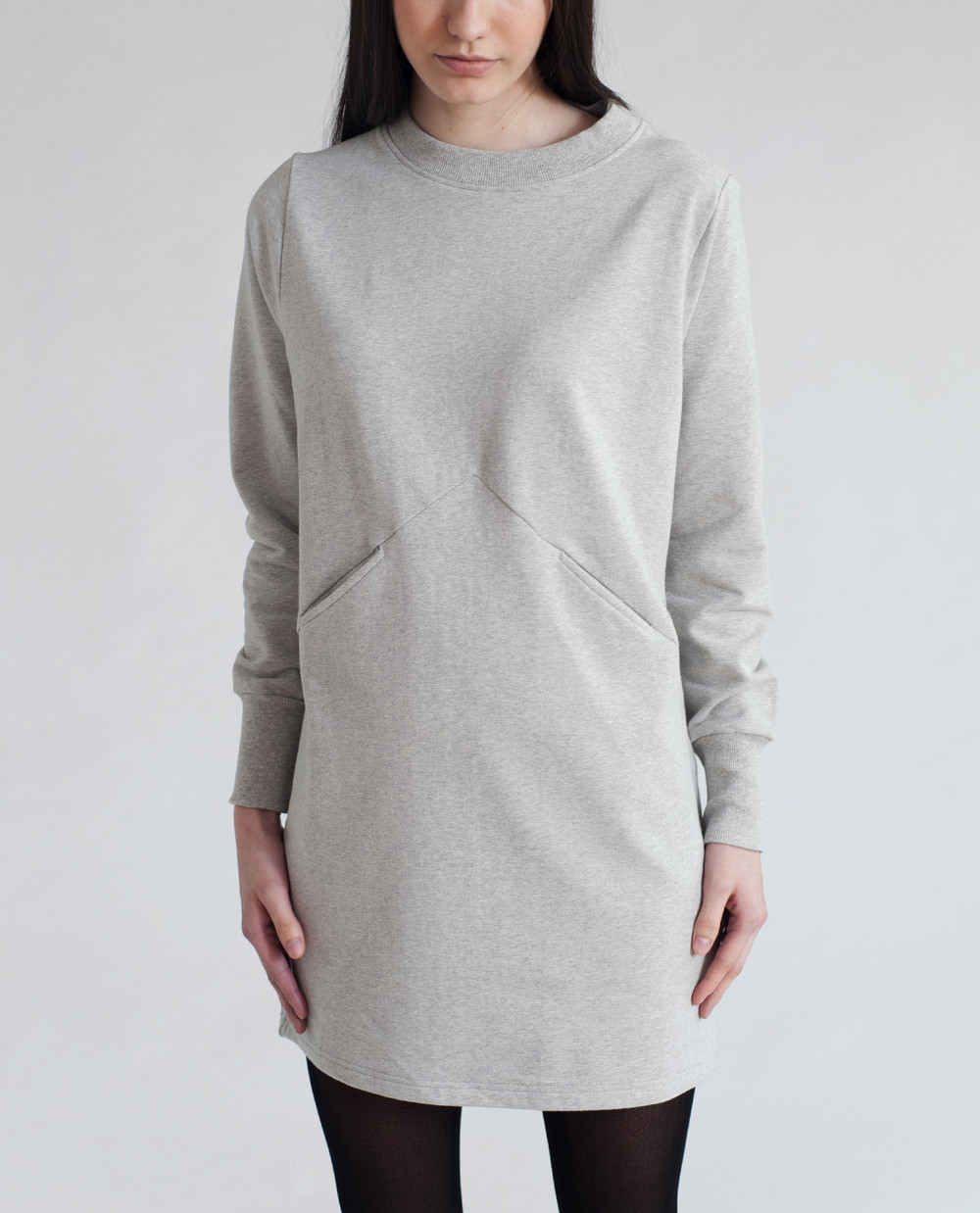 Alexis-Beaumont-Organic-Organic-Cotton-Longline-Fitted-Crew-Neck-Sweatshirt-Light-Grey-1a_66ecd93e-b9a1-44b7-bd49-a1ed7451161d.jpg