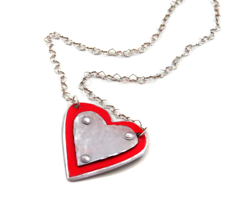 necklaces-ferrari-heart-necklace-1.jpg