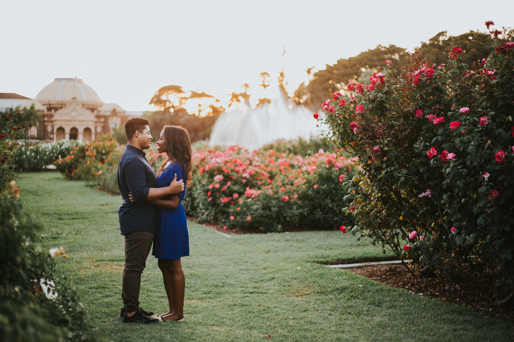 los_angeles_rose_gardens_engagement_session_victoriavelasteguihphotography-6.jpg