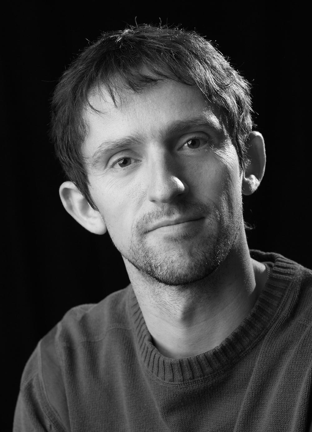 Oliver Öhler, Möbel- + Montageexperte