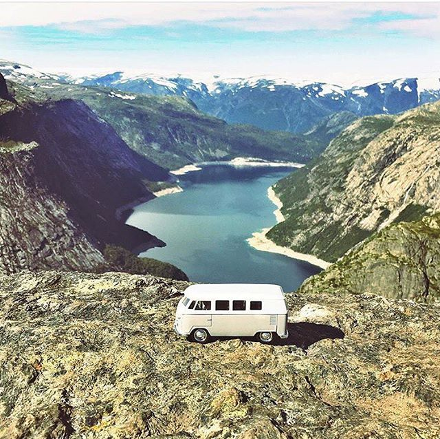 @rnk.pflg  Renke taking us to the altitudes in Norway. Thanks for sharing the beauty.     📮  posted by  @youandiandthesky  -  @vanlifediaries