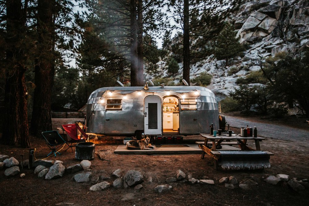 Three Days Later Im Dragging Quite Literally A 1955 Flying Cloud Airstream With Completely Dry Rotted Tires Back To Colorado To Be Renovated