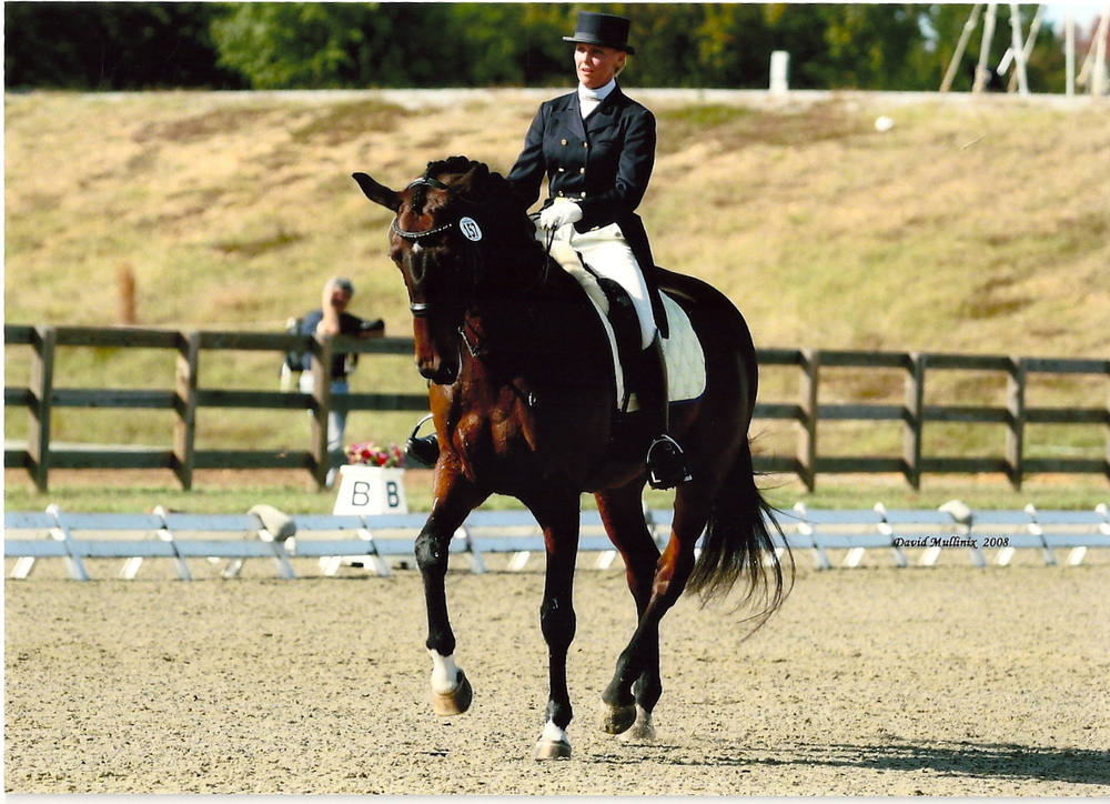 Erin competing Bella Luna at Grand Prix