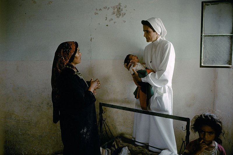 Woman & Child in Israel by Reporter Photographer - Olivier Martel