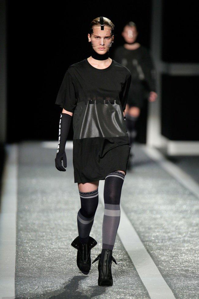 alexander-wang-hm-runway-show02