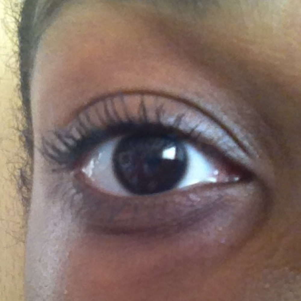 Maybelline Big Eyes Mascara Review - push up brush on top of mini brush