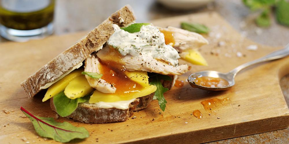 Spreadable_Chicken and Mango Sandwich with Mint Raita