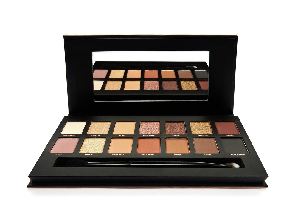 Try it… - The W7 Cosmetics Romanced Eye Colour Palette can be purchased for £9.95 at www.w7cosmetics.co.uk