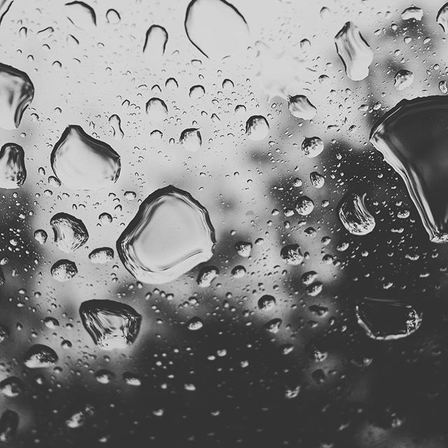 Today is on of those days [XF18.5mm | f/2.8 | 1/125 | iso640] #fujix70 #fujifilm #rain #blackandwhitephotography #instagood #photography #photooftheday #instalife