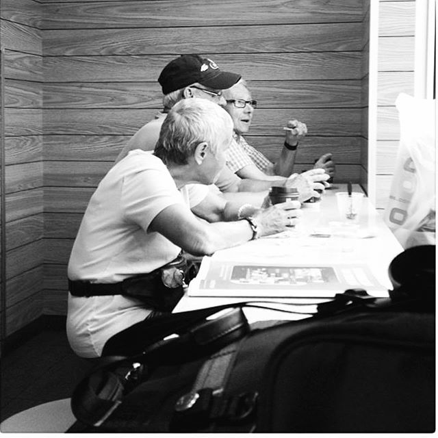 Food, gossip and life stories. This is what's happening there. #iphone6splus #iphonephotography #photooftheday #instagood #beautiful #streetphotography #streetphoto #streetphoto_bw