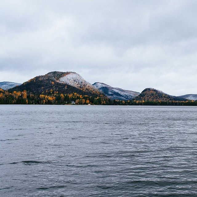Morning lake view!! • • • • • #water #lake #autumn #trees #fall #outdoors #mountain #forest #ignaturale #lakelife #instanature #october #leaves #fallcolors #winter #seasons