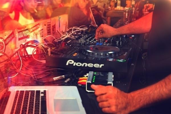 nightclub+bar+merchant+cash+advance+loans+funding+miami+ny+vegas+dj+edm+nightclubs.jpeg