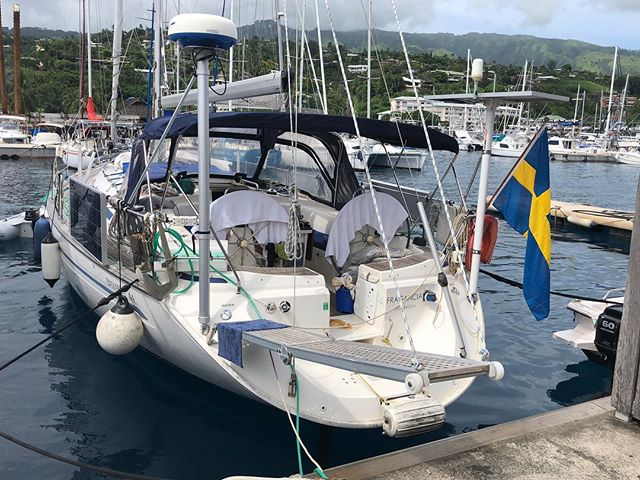 """At the Super Yacht Dock in Marina Taina, Tahiti.  It feels wonderful to be back and see how well kept Fragancia is in the hands of André who has been living on board and taking good care of her.  Fragancia is laying next to Superyacht Catamaran """"Hemisphere"""", the biggest sailing catamaran in the world!  On the dock in the water just behind Fragancia we have a little aquarium of beautiful corals and colorful small fishes!  We stay here and work with things on the """"to do"""" list.  Marianne and I will rent a car tomorrow and drive around the island.  Fun to meet many old friends here in the marina!  In two weeks our daughter with her family will come down and join us! 😊"""