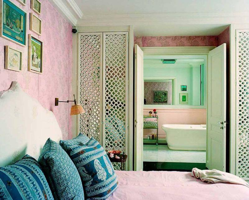 lisa-fine-textile-designer-paris-apartment-bedroom-2.jpg