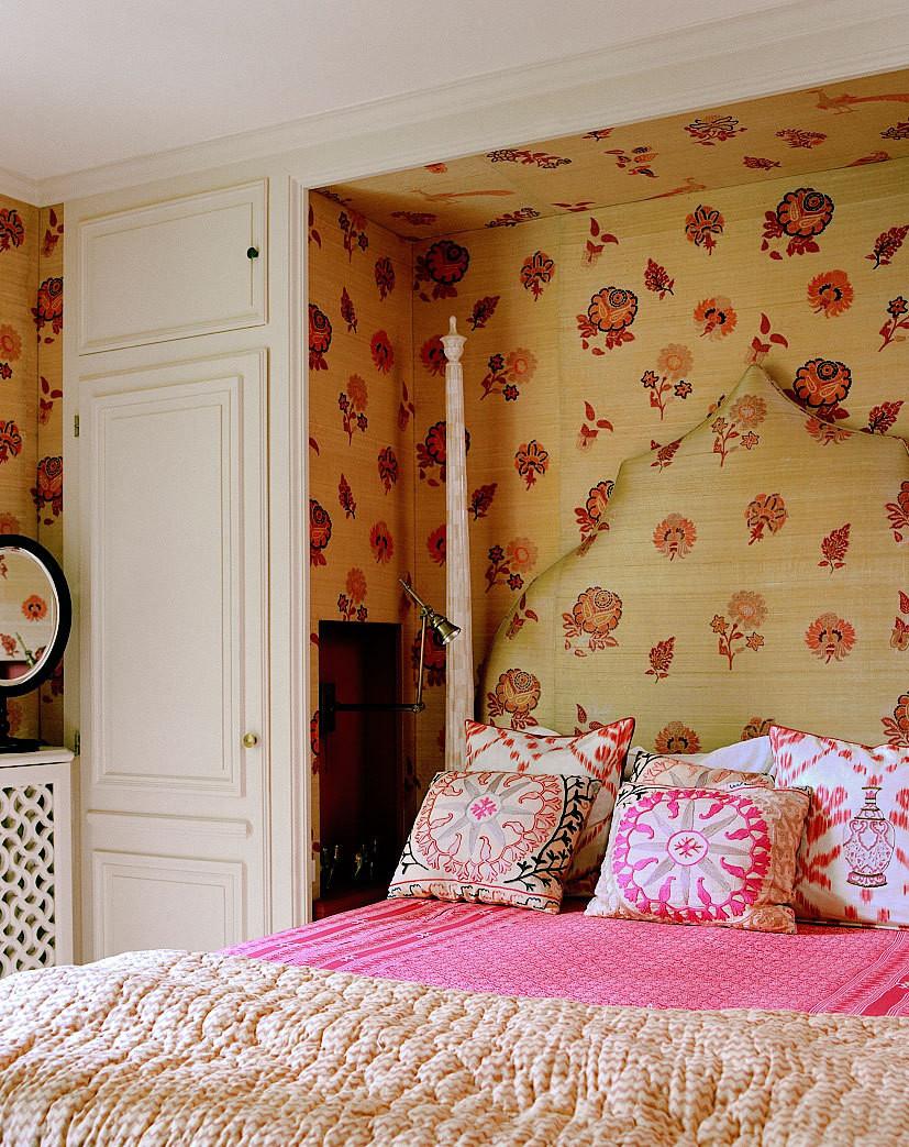 lisa-fine-textile-designer-paris-apartment-bedroom-4.jpg