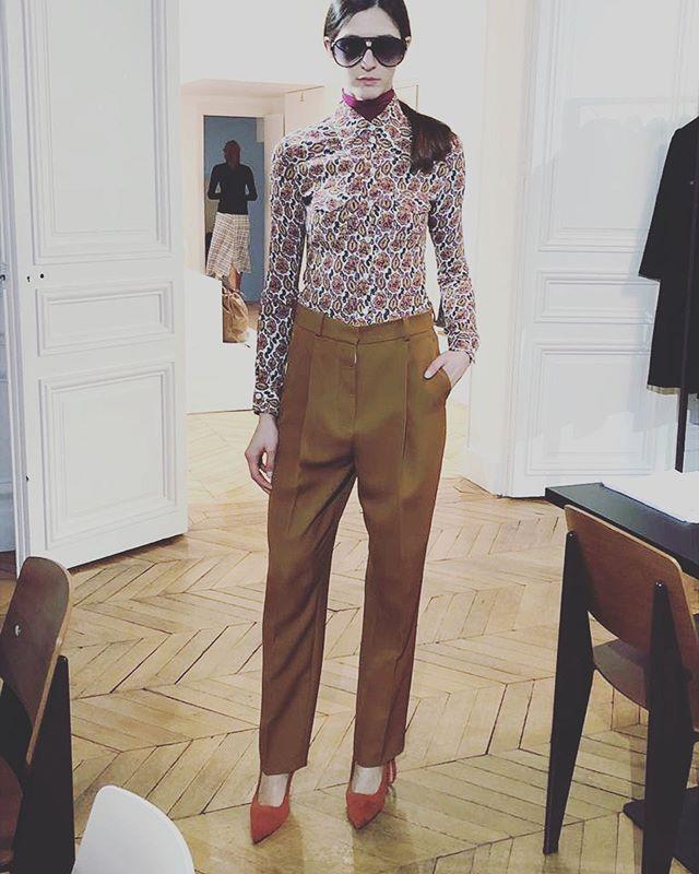 #parisfashionweek #paris #pfw  #victoriabeckham #vbpreaw18 #victoriabeckhamcollection #fashion