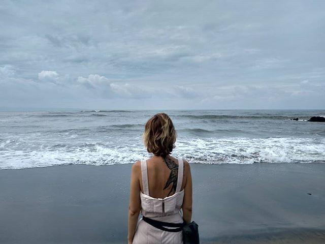 Сказать что я полюбила Бали, ничего не сказать. Пока это одно из немногих мест, которое я с уверенностью могу назвать своим. Что-то такое здесь есть в воздухе или в океане, а ещё в горах и рисовых полях! #балиялюблютебя #настя_хворостына  #nasty_hvorostyna #stilllife #love #ещечестнее #мояазия #настянабали  #ilovelife❤️
