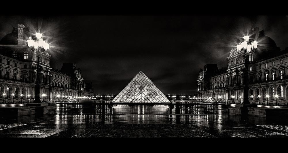 Louvre_Pano_1.jpg