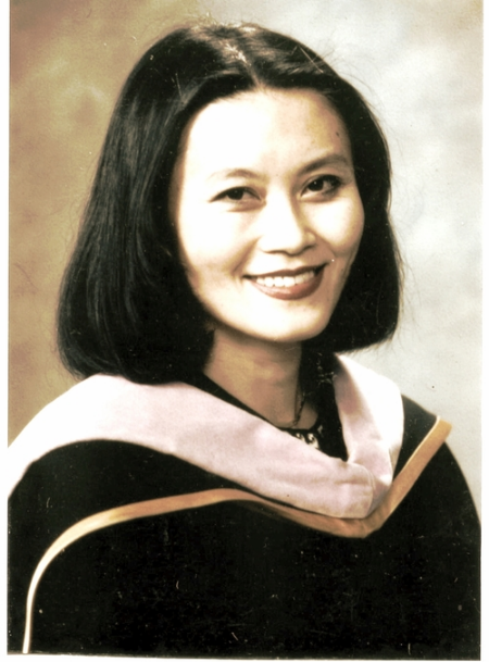 Dr. Zhang received her Doctorate in Dental Surgery from Herman Ostrow School of Dentistry at University of Southern California, in 1998, Los Angeles, California.