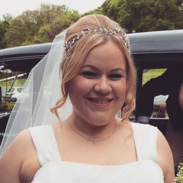 Congratulations to our Prissy Marilla Bride Holly Horsman wearing a bespoke #Halfmoon #weddingjewellery #justmarried #bride
