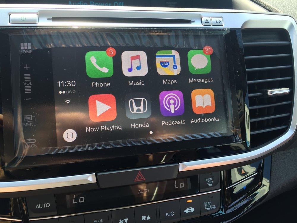 I Tried Apple CarPlay ... So Should You