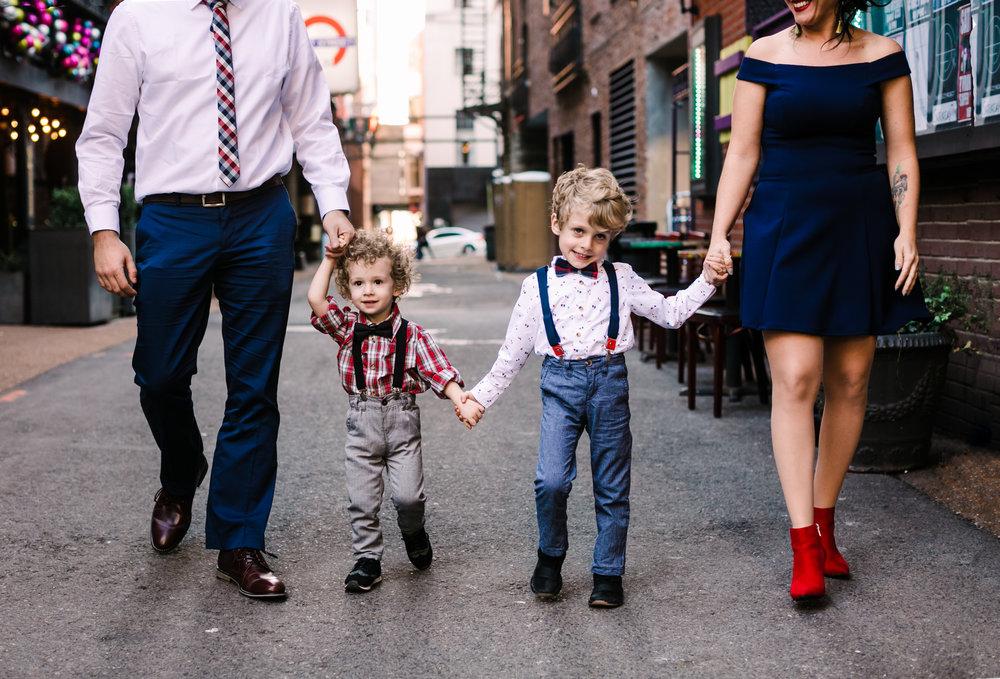 printers+alley+nashville+family+photos (3 of 19).jpg